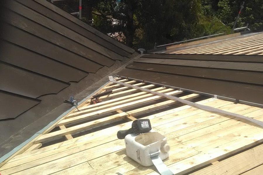 Katuse ehitus plekk-katus valtsplekk-katus
