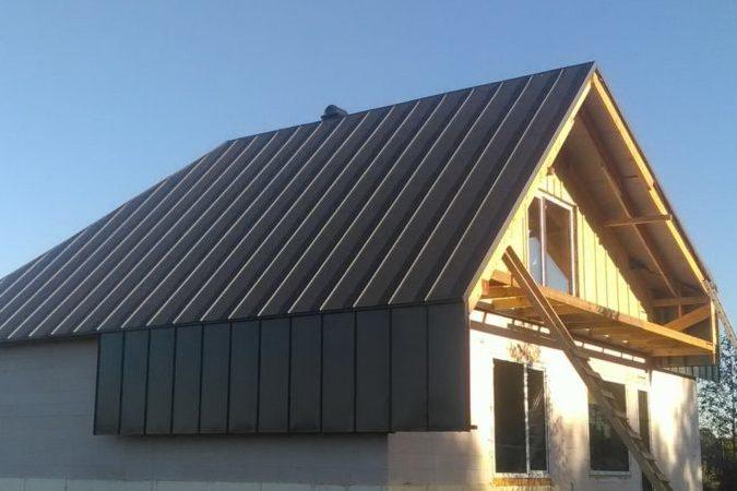 Plekk-katus valmis katus