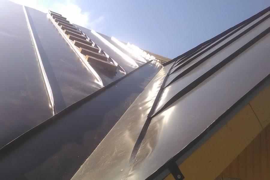 Valtsplekk-katuse hinda kujundavad katuse eripärasused
