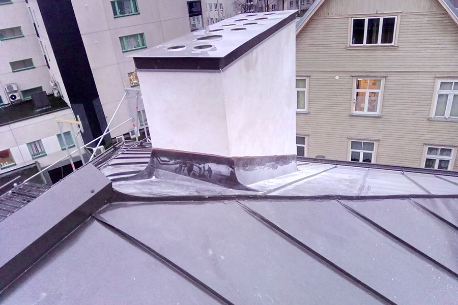 Katuse paigaldus plekk-katus